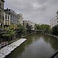 Zicht op de Oudegracht met de werfkelders nabij het Stadhuis - Utrecht - 20396513 - RCE.jpg