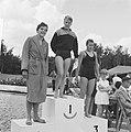 Zwemkampioenschappen in Soest De prijswinnaressen op de 100 m vrije slag, vln, Bestanddeelnr 914-1760.jpg