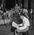 (Portrait of Frank Sinatra and Axel Stordahl, Liederkrantz Hall, New York, N.Y., ca. 1947) (LOC) (4843758568).jpg