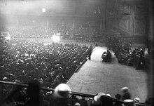 Huelga de trabajadores postales en el hipódromo, reunión del 14 de mayo de 1909, Pataud en el podio.
