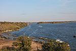 Інженерні підрозділи навели на Дніпрі під Херсоном понтонно-мостову переправу (30431912346).jpg