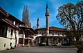 Ханский дворец двор.jpg