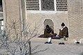 طلبه ها در صحن مدرسه علمیه آقا بزرگ کاشان.jpg