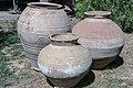 کوزه تاریخی در باغ نظر شیراز-urns in Pars Museum iran 01.jpg