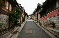 북촌 한옥 마을(Bukchon Hanok Village) 2011년 11월 대한민국 서울특별시 명소 (Seoul best attractions) 10.jpg