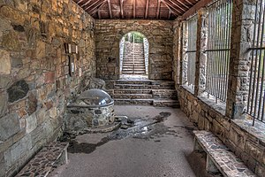 Spring house - Image: 15 21 197 indian springs