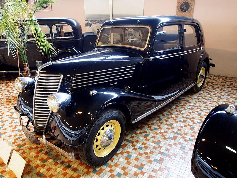 file 1937 renault acl2 primaquatre prima 4 at the mus e automobile de vend e pic 2 jpg. Black Bedroom Furniture Sets. Home Design Ideas