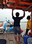 201304051506a Überfahrt Kho Kho Khao Pier.jpg
