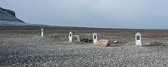 Beechey Island - Image: 2018 09 30 01 Franklin Camp grave images, Nunavut Canada 2015 09 11
