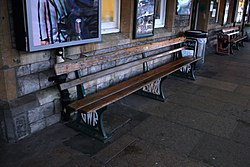 2018 at Weston-super-Mare station - GWR bench.JPG
