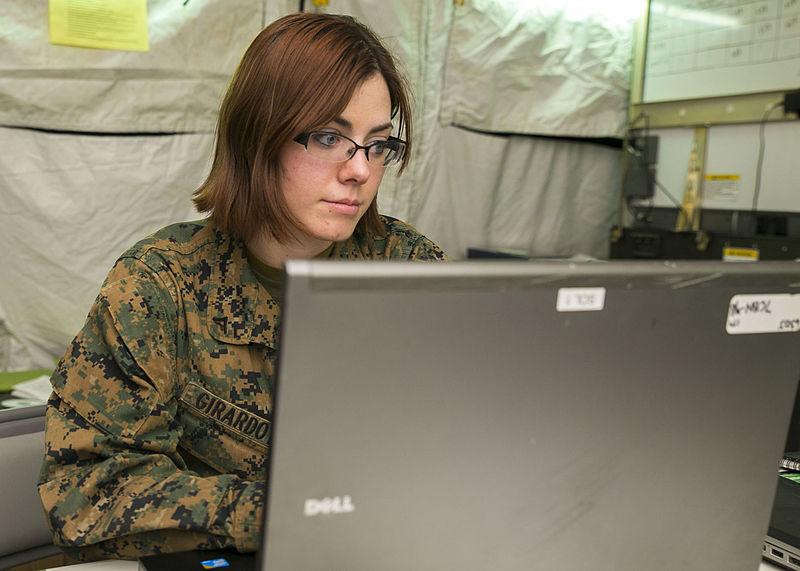 File:7th Communications Battalion wires up MEFEX 14 140310-M-XK110-811.jpg