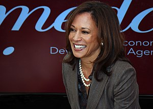 AG Kamala Harris meets with California Foreclosure Victims 09.jpg