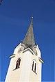 AT-62418 Kath. Pfarrkirche hl. Martin und Friedhof - Lind bei Velden 02.jpg