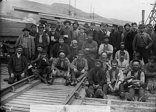 A group of workers, Aberdyfi
