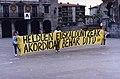Aek euskaltegiko kideen protesta (95-175).jpg