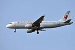 Air Canada, Airbus A320-211, C-FMSX - YVR (18350480378).jpg