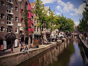 Amsterdam (7758040180).jpg