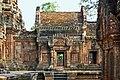 Angkor-Banteay Srei-24-Mandapa-2007-gje.jpg