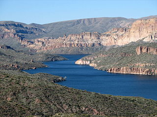 Apache Lake (Arizona) lake