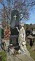 Ausgelitten. Grave of family Wellmann, Tonko at Hietzinger Friedhof.jpg