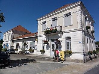 Azur, Landes - Town hall