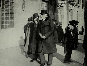 1915 in Italy - Sidney Sonnino as Foreign Minister negotiating Italy's position in the war