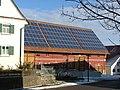 Bauernhof mit Solarkollektoren - panoramio.jpg
