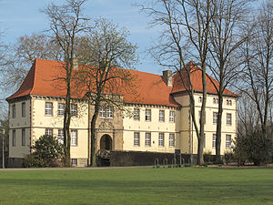 Herne, North Rhine-Westphalia - Image: Baukau, Schloss Strünkede foto 6 2012 03 28 10.27