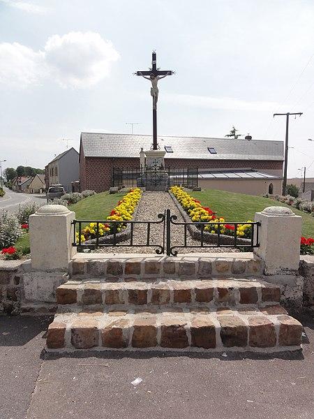 Beaurevoir (Aisne) croix de chemin