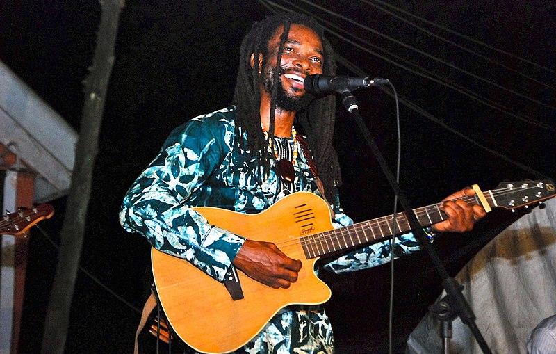 File:Beautiful Nubia in performance 2013.jpg