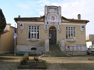 Beauvais-sur-Matha - Town hall