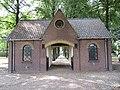 Begraafplaats Putten (30905511750).jpg