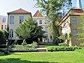 Behnhaus Skulpturengarten 2.JPG