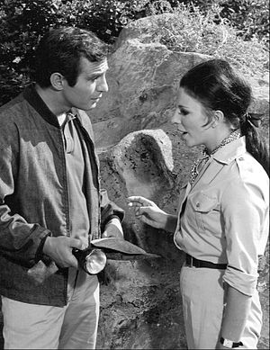Run for Your Life (TV series) - Gazzara as Paul Bryan with guest star Joan Collins.