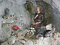 Benediktushöhle Figur.jpg