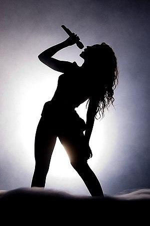 Heat (perfume) - Image: Beyoncé Pavilhão Atlântico