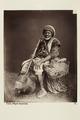 """Bild från familjen von Hallwyls resa genom Algeriet och Tunisien, 1889-1890. """"Tunis. Svart musiker - Hallwylska museet - 91984.tif"""