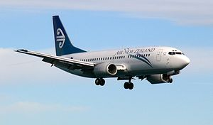 Boeing 737-300 (Air New Zealand) Wellington (26).jpg