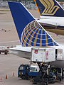 Boeing 757-200 (United Airlines) (5849098209).jpg