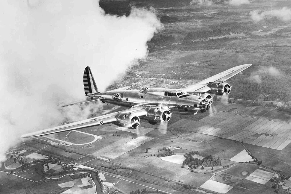 Boeing Y1B-17 in flight
