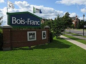Bois-Franc - An entrance of the Bois-Franc neighbourhood on Alexis-Nihon boulevard.