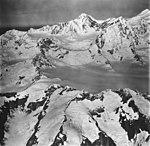 Brady Glacier, icefall and snow covered peaks, September 12, 1973 (GLACIERS 5884).jpg