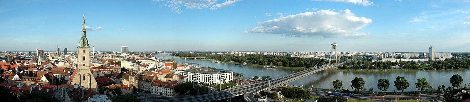 Bratislava Panorama 01.jpg