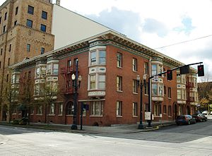 English: Bronaugh Apartments at ‎1434 Southwes...