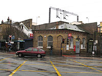 Bruce Grove railway station 1.jpg