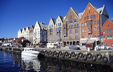 Bryggen i Bergen.jpg