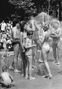 1946 bikini in paris