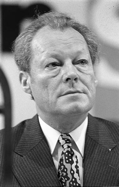 File:Bundesarchiv Bild 183-M0130-303, Willy Brandt.jpg