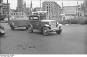 Bundesarchiv Bild 183-V00921, Berlin, Mit Gas angetriebener Pkw