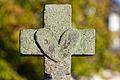 Cœur de la croix de cimetière (Le Rheu, Ille-et-Vilaine, France).jpg